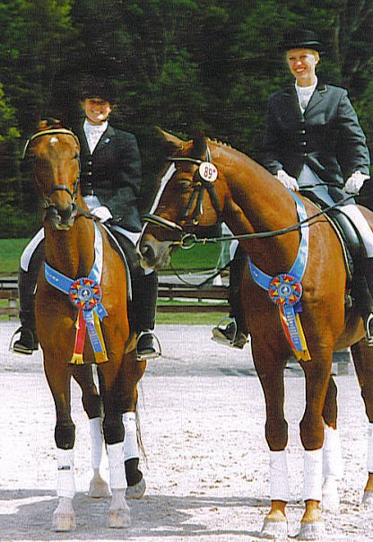 Worldly (Weltinus, on the left) after winning the 2006 Region 8 Second Level Freestyle championships.